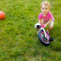 Freemount Attempt: Toddler's Continuing Unicycle Journey